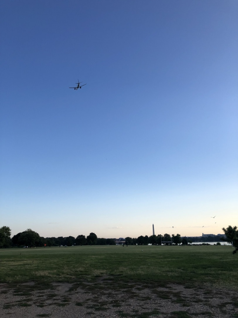 gravelly point view airplanes