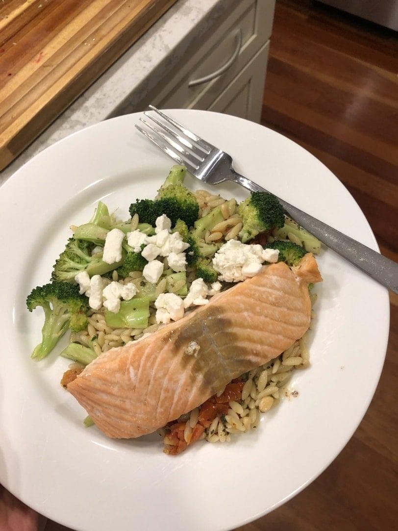 easy baked salmon mediterranean