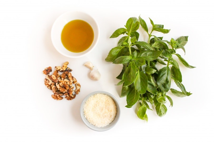 basil and walnut pesto ingredients