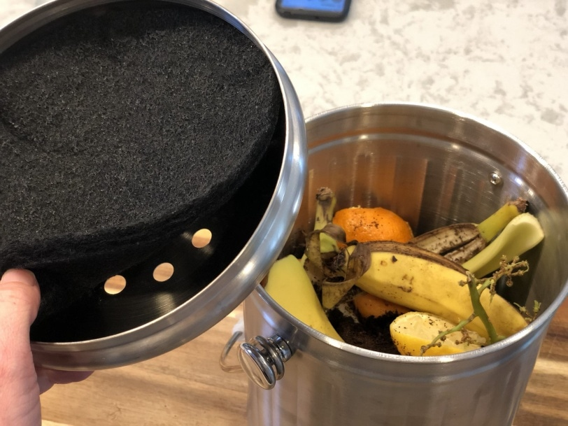 best bucket to compost at home