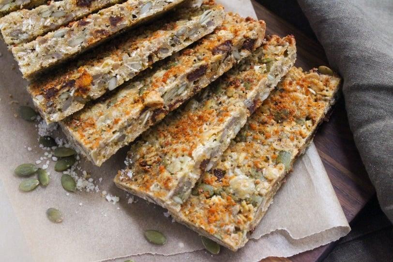 Savory Granola Bar Recipe: Cheesy, Sun-dried Tomato Pizza Bar