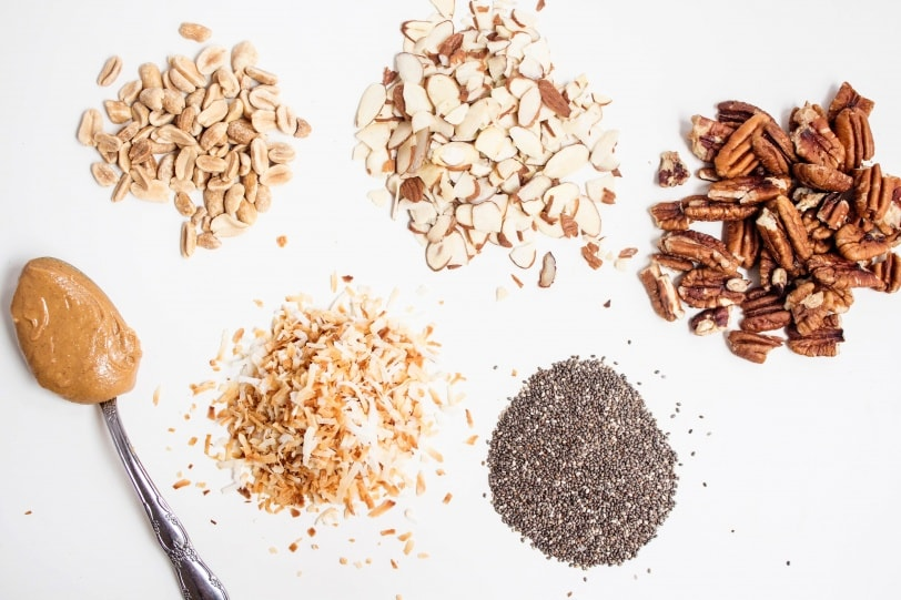 peanut butter overnight oats toppings: chia seeds, nuts, or shredded coconut