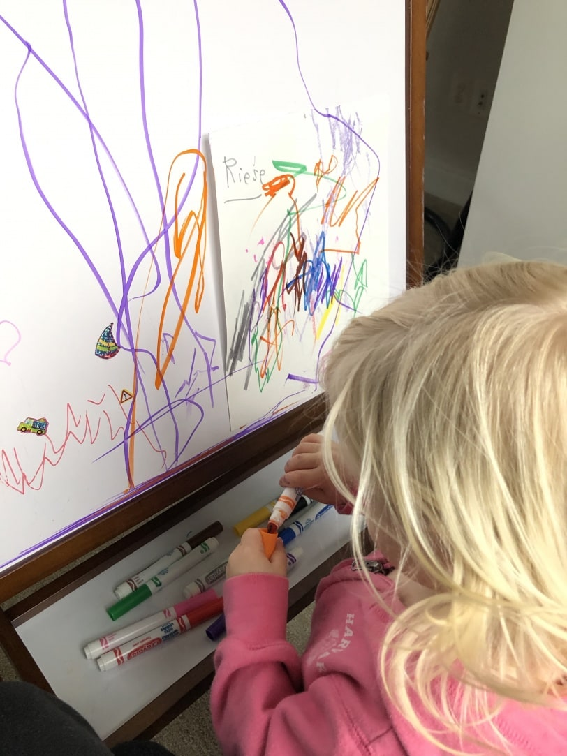toddler art easel with dry erase board