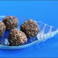 peanut cinnamon date balls