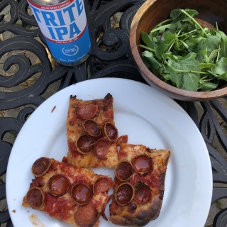 intuitive eating with pizza