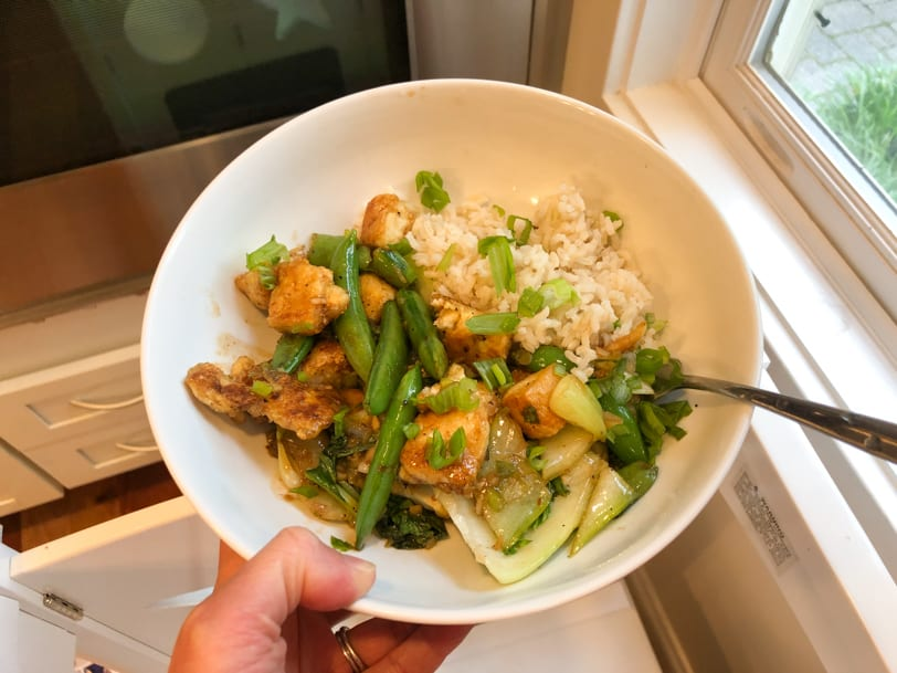 tofu with veggies and brown rice