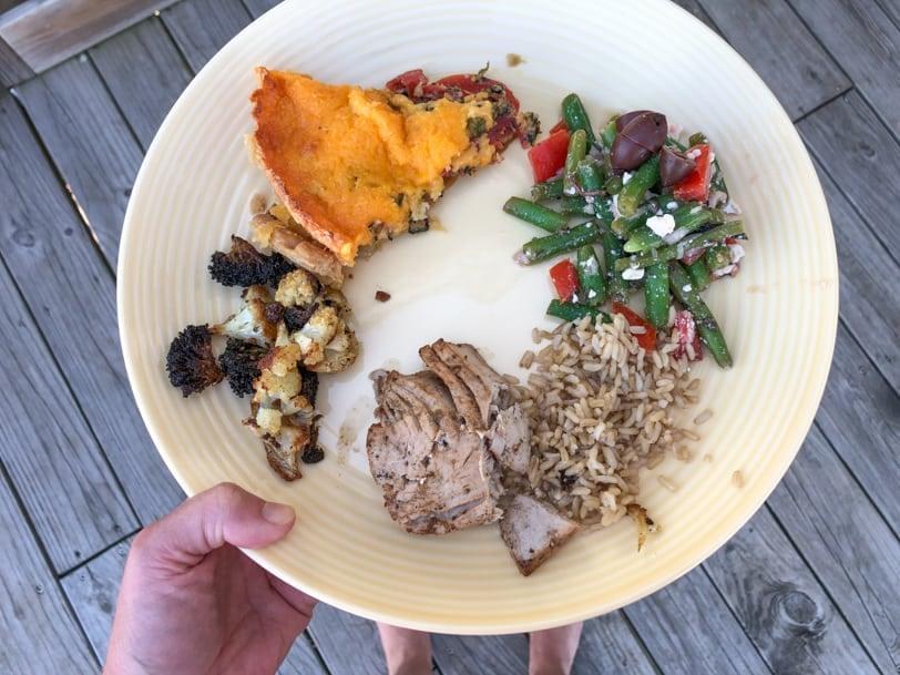 tuna with tomato pie and veggies