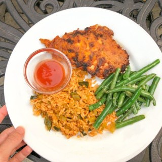 hot honey chicken with rice and green beans