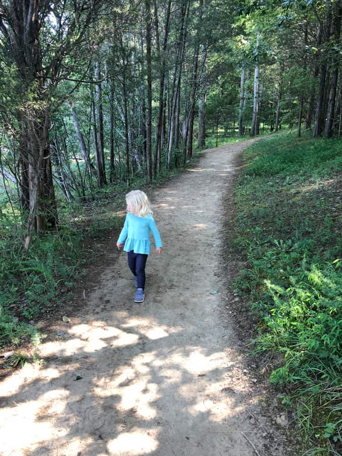 toddler hiking at lake anna state park