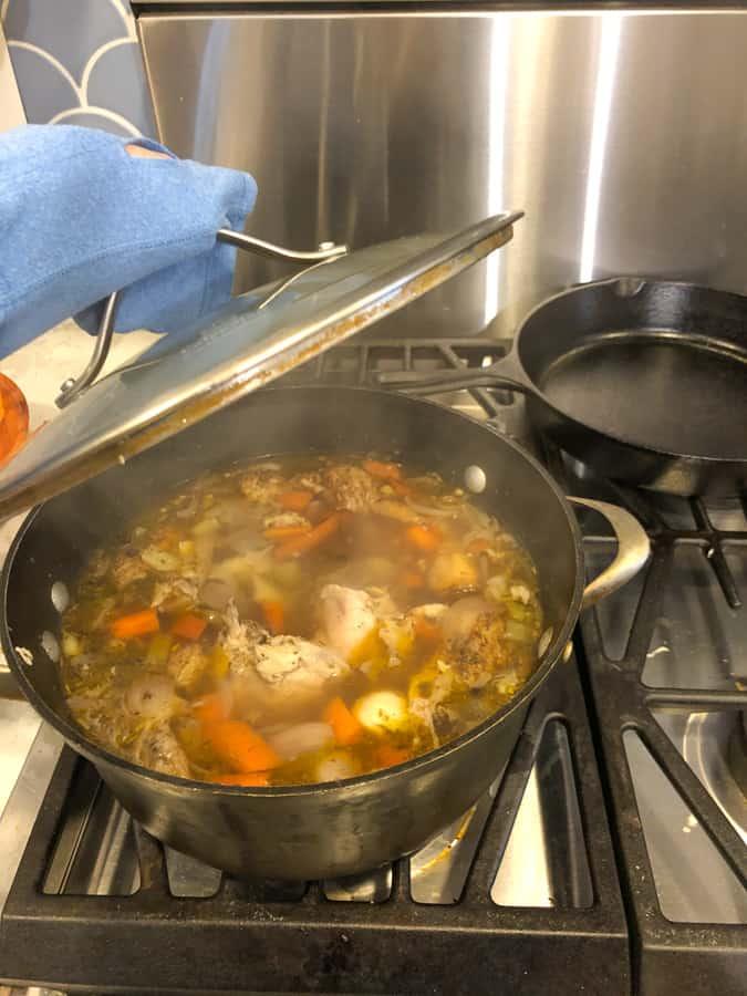 making homemade chicken stock