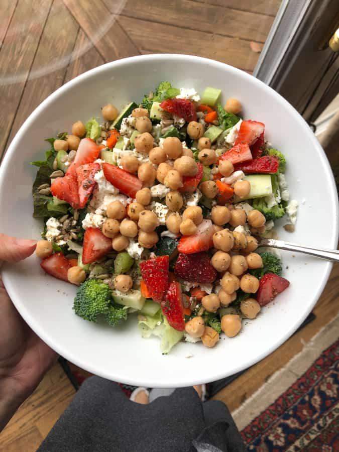 chickpea and veggie salad