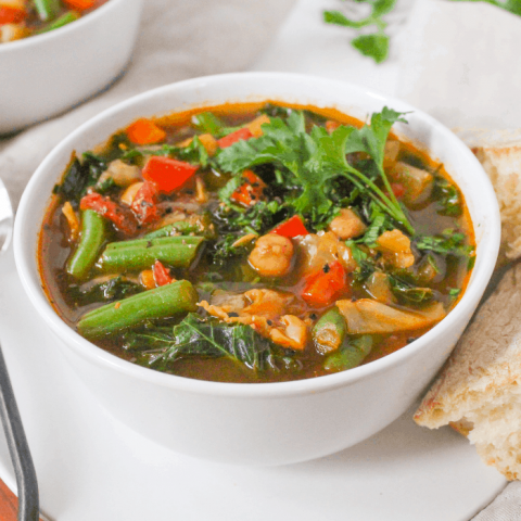 instant pot vegetable soup with crusty bread