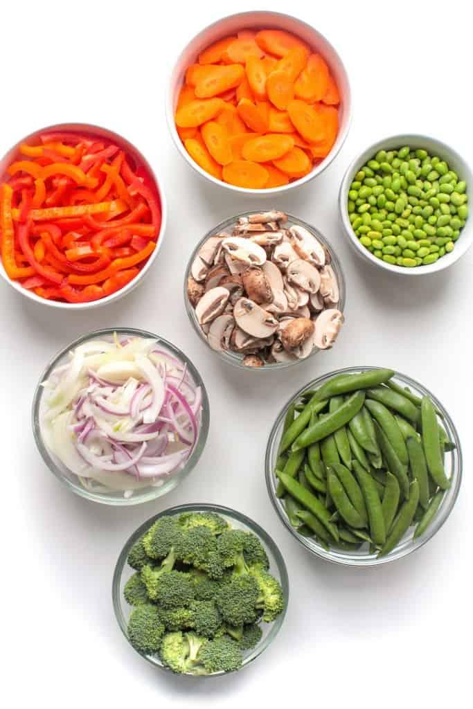 stir fry vegetables in bowls