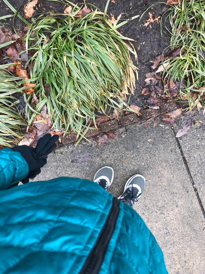 walking with 26 weeks pregnant bump