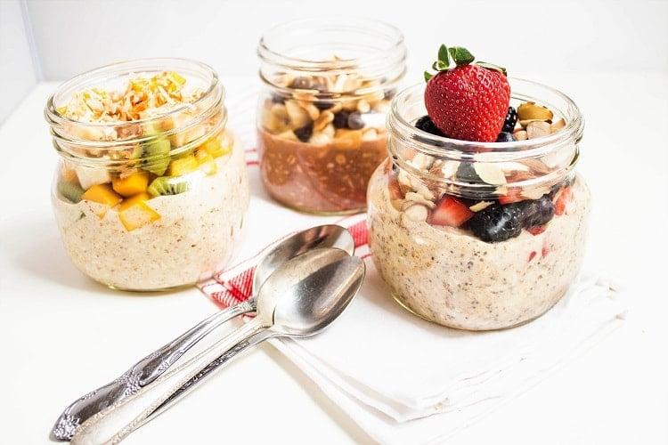 overnight oats in mason jars