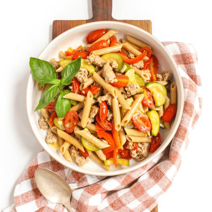Tomato Garlic Pasta with Ground Turkey