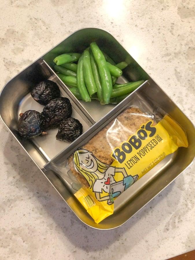 bobo's bar, figs, string beans