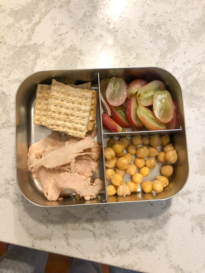 grapes, crackers and turkey, chickpeas