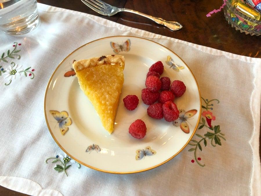 lemon tart with raspberries