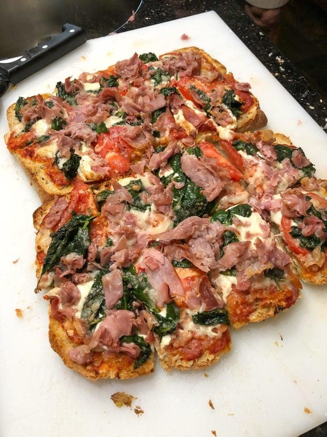 flatbread pizza with prosciutto